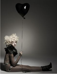 love this pose and the lone balloon.