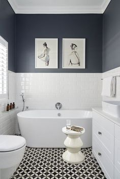 Dramatise your guest bathroom with these fantastic idea's. Using paint, wallpaper, mirrors and much more. Even though your guest bathroom may be a small space, glam it up for a big effect!