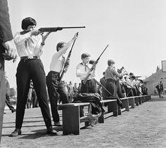 """Tudtad, hogy régen lőni is """"megtanították"""" az iskolásokat?"""