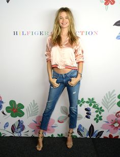 Behati Prinsloo from Stars at New York Fashion Week Spring 2016 The supermodel flashes a huge grin for Tommy Hilfiger. Behati Prinsloo, Tommy Hilfiger, Fashion Week 2015, New York Fashion, Celebrity Outfits, Celebrity Look, Vs Fashion Shows, Tomboy Fashion, Funky Fashion