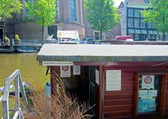 De Poezenboot (The Cat Boat) – Amsterdam, Netherlands - Atlas Obscura