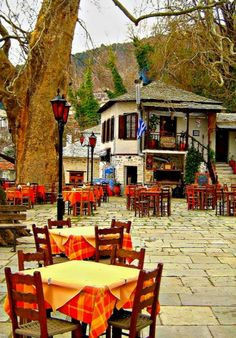 Vyzitsa village at Pelion mountain , Greece, good place for lunch Santorini, Mykonos, Travel Around The World, Around The Worlds, Greece Travel, Crete, Europe, Greek Islands, Dream Vacations