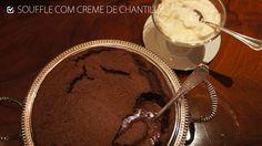 souffle de chocolate com creme de chantilly