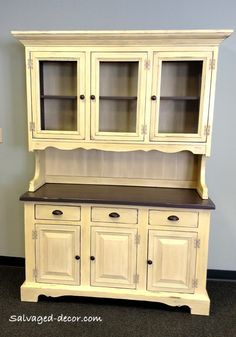 Hutch painted by Salvaged Decor in Michigan using Heaven's Light (retired), Gun Powder (limited edition) and finished in Clear Wax with Pewter Mica.