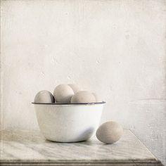eggs, tin bowl, still life