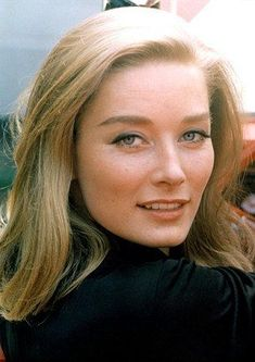 Tania Mallet born 19 May 1941 is an English model and actress who is best known for her appearance as Tilly Masterson in the James Bond film Goldfinger 196 James Bond, Best Bond Girls, Dramatic Classic, Star Wars, Italian Actress, Beautiful Actresses, Hot Actresses, Classic Actresses, Hollywood Actresses