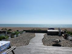 Located directly on the beach - Pevensey Bay