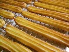 Oven Baked Churros Recipe - How are you today? How about making Oven Baked Churros? Baked Churros, Love Eat, Vegetable Drinks, Healthy Eating Tips, Sweets Recipes, Oven Baked, Pain, Tray Bakes, Hot Dog Buns