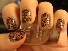 Leopard nail art - somebody HAS to do my nails like this!!!  ;)