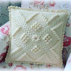 New crochet granny square basic afghans ideas Basic Crochet Stitches, Crochet Granny, Crochet Motif, Crochet Doilies, Crochet Baby, Crochet Patterns, Crochet Pillow Cases, Crochet Cushion Cover, Crochet Cushions