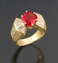 This 3.18-carat ruby from Winza demonstrates the limpid yet lively quality of this Tanzanian material.