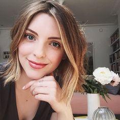 Esteè Lalonde   EssieButton - Blogger and Youtuber