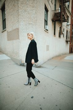 Capsule Outfits, Capsule Wardrobe, Sustainable Fashion, Normcore, Zipper, Boots, Style, Crotch Boots, Swag