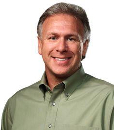 Phil Schiller ha preso posto sul banco degli imputati nell'ultima sessione del processo Apple VS Samsung. Il Senior Vice President of Worldwide Marketing ha dato qualche dettaglio riguardante l'importanza di Apple nel mercato degli smartphone, e il modo in cui Cupertino ha rivoluzionato un mercato nel quale non era mai entrata in precedenza. Continua a leggere: Schiller: Apple ha avuto un ruolo rivoluzionario nel mercato dei telefoni (...) Schiller: Apple ha avuto un ruolo rivoluzionario nel…