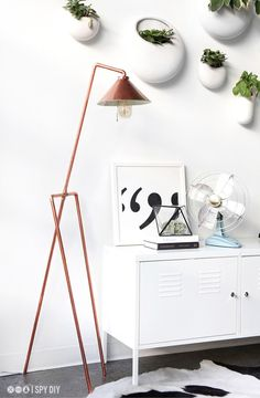 3 DIY usando canos de cobre - Luminária de piso 2 - Bangalô da Tati