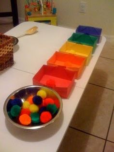 Tons of Montessori activities- I like this idea of folding colored boxes out of paper. Easy and low resources. Dementia Activities, Montessori Activities, Educational Activities, Learning Activities, Preschool Activities, Elderly Activities, Physical Activities, Physical Education, Montessori Toddler