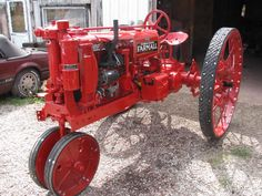 1937 Farmall I love the rubber tread on the iron wheels Antique Tractors, Vintage Tractors, Vintage Farm, Vintage Signs, Antique Cars, Farmall Tractors, Old Tractors, John Deere Tractors, Tractor Pictures
