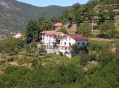 Agriturismo il Castagno in Agerola, just off the Amalfi coast. Situated on mountainside with spectacular view on the Mediterranean sea. Roomy apartments, lovely owners, wine farm. Many inhabitans gather here for sunday-lunch.