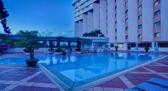 Halong Plaza Hotel Ha Long Halong Plaza Hotel is located by the World Natural Heritage Site, Halong Bay. Centrally located, it boasts an outdoor swimming pool, a sauna and fitness centre. Rooms are spacious with flat-screen TVs.