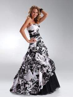 Marvelous-Strapless-Black-White-Print-Taffeta-Ball-Gown-Sleeveless-Quinceanera-Dress-SD0987.jpg (900×1200)