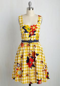 Biking Through Brussels Floral Dress in Houndstooth | Mod Retro Vintage Dresses | ModCloth.com