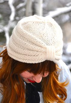 Ravelry: The Purl Knit Turban pattern by Sara DudekThe Purl Knit Turban. Would use Woolfolk Far yarnBilledresultat for strikkeopskrift på turban hueCan someone please find this patten and make it for me?Adorable and flirty! Crochet Beanie, Knit Or Crochet, Knitted Hats, Crochet Hats, Knitting Blogs, Loom Knitting, Knitting Stitches, Turban Hat, Knit Picks
