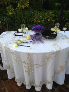 Outdoor Sweetheart Table at the Selby Gardens!