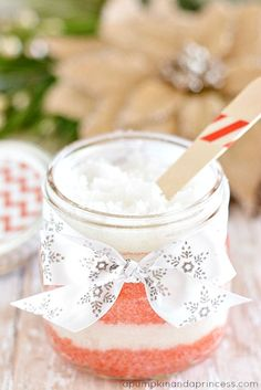 DIY Peppermint Sugar Scrub..A  handmade gift idea under $5 – homemade peppermint sugar scrub mason jar gifts.