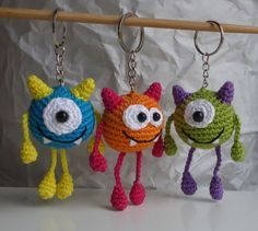 Crochet pattern ball monster keychain The Effective Pictures We Offer You About crochet summer A qua Crochet Art, Crochet Patterns Amigurumi, Crochet Gifts, Amigurumi Doll, Crochet Dolls, Crochet Keyring Free Pattern, Crochet Monsters, How To Start Knitting, Knitting For Beginners