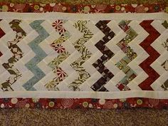 Christmas Runner Tutorial by Jennifer from Knotted-Thread.