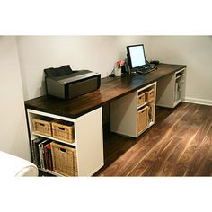 DIY Desk Idea--  @MatthewSmithburger we should maybe look at doing this for the loft in a couple months.