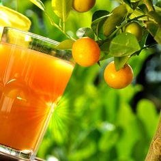 ¡Como apetece un zumo de naranja natural! mmm :)   #frutas