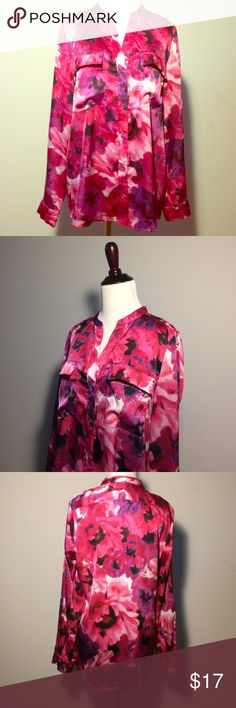 Premise button down satin shirt. Beautiful shirt poly spandex, colorful magenta, purple, pink, white and black. Font pockets and roll up sleeves. Loose and comfortable fit. Premise Tops Button Down Shirts