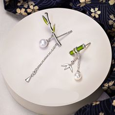 Sterling Silver Earrings, Dangle Earrings, Silver Jewelry, Fine Jewelry, Ear Studs, Retro Fashion, Washer Necklace, Dangles, Bamboo Design