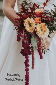 Autumn themed wedding for Cat by Petals&Patina.  Photography Maddie Farris photography