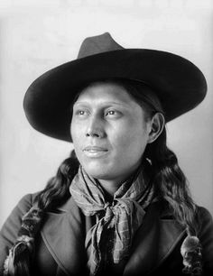 Ponca man Mon-non-shu-de or Raises the Dust. Photo: 1899. The Ponca: There are two federally recognized Ponca tribes: the Ponca tribe of Nebraska and the Ponca tribe of Oklahoma. Their traditions and historical accounts suggest they originated as a tribe east of the Mississippi River in the Ohio River valley area and migrated west for game and as a result of the Iroquois wars. The term Ponca was the name of a clan among the Kansa, Osage, and Quapaws.