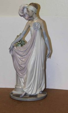 Lladro Socialite of The 20'S # 5383