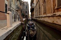 Gondola stop #Venice #Venecia #Venezia