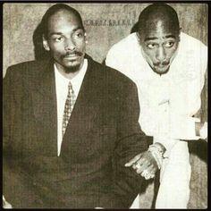 @snoopdogg and tupac  Repost @t.u.p.a.c.s.h.a.k.u.r  #legend #oldschool #mc #westside #hiphop #90s #king #tupac #dope #thuglife #miss #smile #2pacshakur #rap #old_school_blood by hiphop_90s