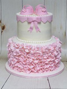 www.asliceof-art.com  scrunch ruffle baby shower cake