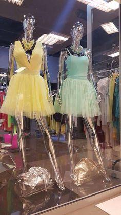 Ha még nincs királylányos ruhád, itt az idő, hogy beszerezd! Ráadásul szuper áron! Irány a Deniz Paris üzlet a Trend2-ben!