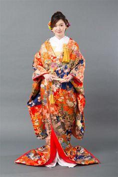 Japanese Wedding Kimono, Japanese Kimono, Traditional Wedding Dresses, Traditional Outfits, Kabuki Costume, Cherry Dress, Japanese Characters, Kids Wear, Textiles