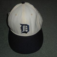 Men's Black & White DETROIT TIGERS MLB Embroidered Hat, Size 7 1/4, Good Shape! #AmericanNeedleOfficialMLB #BaseballCap