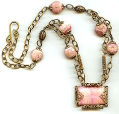 This is a necklace that I can make, with instructions on site
