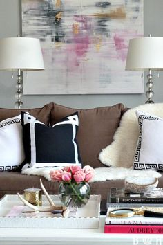 Lovely home tour with beautiful accessories and finishing touches eclecticallyvintage.com