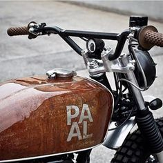 @paalmotorcycles ✌ ⚡️Have a project? Join @wrench.cc - link in bio⚡️ ➖➖➖➖➖➖➖➖➖➖➖➖➖➖➖➖ #honda #flattracker #brat ➖➖➖➖➖➖➖➖➖➖➖