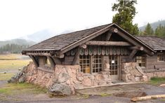 Stone Cottages, Cabins And Cottages, Stone Houses, Tiny House Cabin, Log Cabin Homes, Cottage Homes, House On The Rock, Small Buildings, Small House Plans