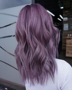 purple hair Gorgeous Hair-Color Styles You Need to Try in 2020 Short Purple Hair, Pastel Purple Hair, Lilac Hair, Hair Color Purple, Hair Dye Colors, Ombre Hair, Silver Purple Hair, Purple Bob, Purple Style