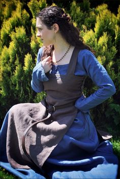 Viking dress and apron by Lorliaswood. Linen with wool embroidery