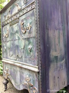This dresser has Sold please do not purchase, thank you for looking at our design work, more to come!! BoHo Purple Dresser !!! This sweet carved vintage dresser was created using layers of Love ~ Violet ~ Forest Green ~ Grey Dove and hints of Brushed Gold blended together to give a